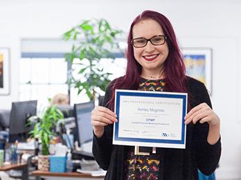 Oneupweb employee holds bank marketing certification